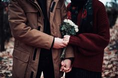 New wallpaper couple hands 15 Ideas Cute Love Couple, Couples In Love, Old Fashioned Love, Cute Muslim Couples, Couple Hands, Girls Dpz, Mode Hijab, Les Miserables, Couple Photography