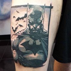 Before September ends, we here at Tattoodo is giving it one last shout with these totally sick Batman tattoos for Batman Day! Batman Logo Tattoo, Batman Tattoo Sleeve, Dc Tattoo, Tattoo Video, Comic Tattoo, Sleeve Tattoos, Cover Up Tattoos, Arm Tattoos For Guys, Cool Tattoos