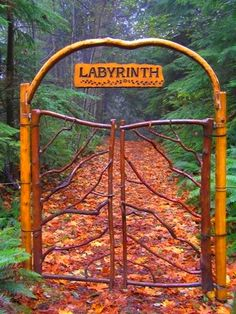 .Beyond this gate, empty your thoughts, and find serenity and peace!