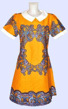 Robe courte jaune en tissu imprimé africain par Kabangondo pour Afrikrea. https://www.afrikrea.com/article/belle-robe-fleurie-en-tissu-imprime-africain-en-lin-robes-tuniques-multicolore-pour-elle-wax/3MPF4M7?utm_content=bufferb3d04&utm_medium=social&utm_source=pinterest.com&utm_campaign=buffer
