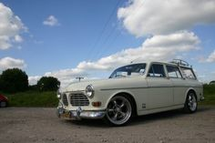 Volvo amazon surf styled wagon.. luv the idea of using these older small wagons in this fashion.
