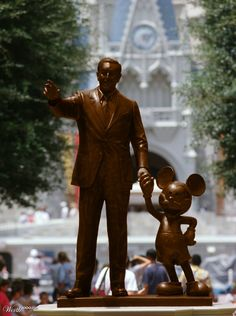 Chocolate Disney & Mickey - Worth1000 Contests - You think this statue is popular now, imagine if it was chocolate.