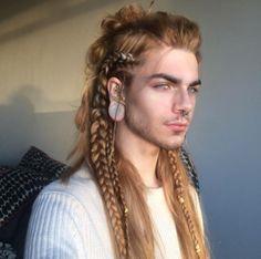 Viking braids for long hair men Cool Hairstyles For Men, Haircuts For Long Hair, Hairstyles Haircuts, Haircuts For Men, Braided Hairstyles, Hairstyles Pictures, School Hairstyles, Beautiful Hairstyles, Formal Hairstyles