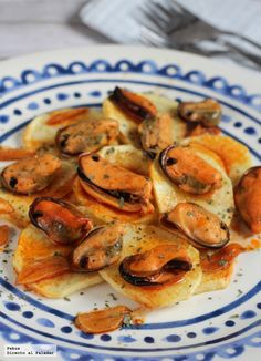 Quick Recipes, Easy Dinner Recipes, Easy Meals, Healthy Recipes, Tapas Recipes, Cooking Recipes, Fish Dishes, Fish And Seafood, Clean Eating Snacks