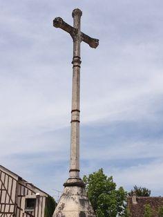 Croix des Changes, place du Châtel - 2013