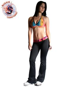 Suplex black pants with samba print bra top and matching belt. Great for any kind of work out, at the gym, outdoors, your Yoga class or dance workout!  ***MAKE SURE TO SEND US A MESSAGE AFTER PURCHASE SPECIFYING SIZE (FOR BOTH TOP AND BOTTOM) WANTED!