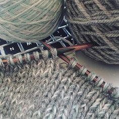 Some knitting in progress 👽 #knit #knitted #knitting #workinprogress #wip #yarn #wool #gradientyarn #grey #diy #handmade #knittersofinstagram