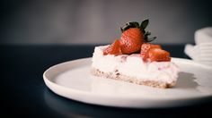 Tasty Health: Strawberry Champagne Protein Cheesecake Protein Cheesecake, Strawberry Champagne, Lchf, Tasty, Health, Desserts, Food, Salud, Meal