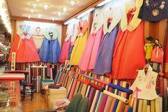 Gwangjang Market - Ladies Hanboks & Fabrics