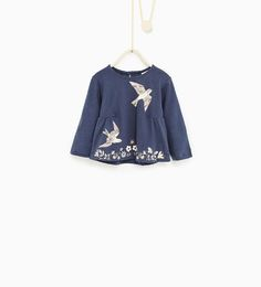 Image 1 of Floral top with birds from Zara Floral Tops, Fall Capsule Wardrobe, Kids Wear, Children Wear, Kind Mode, Wardrobes, Blouse Designs, New Baby Products, Latest Trends