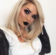 We shave 10 minutes left before Halloween is over so here's one last shot of this my Bride of chucky 👰🏻🖤 Bride Of Chucky Makeup, Bride Of Chucky Halloween, Bride Of Chucky Costume, Tiffany Bride Of Chucky, Halloween Makeup For Kids, Halloween Costumes For Bffs, Halloween Looks, Bride Makeup, Chucky And Tiffany Costume
