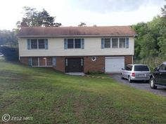 Find this 3 Bedroom with 1 acre lot, home on Realtor.com or http://www.364RusticTavern.com