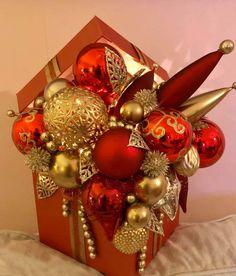 Corner Christmas Tree, Office Christmas, Christmas Cards To Make, Christmas Gift Wrapping, Christmas Baubles, Christmas Design, Christmas Angels, Christmas Projects, Christmas Fun