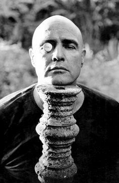 """Marlon Brando durante as filmagens de """"Apocalypse Now"""" (1979). Foto de Mary Ellen Mark.  Best actor EVER!"""