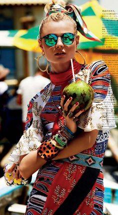 Vogue Japan April 2013 Editorial Fashion f6651c9d56a34