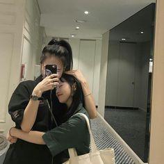 girls in love ulzzang / girls in love _ girls in love quotes _ girls in love ulzzang _ girls in love ellie _ girls in love reference _ girls in love look _ girls in love photoshoot _ girls in love makeup Couple Girls, Girls In Love, Couple Ulzzang, Ulzzang Girl, Korean Aesthetic, Couple Aesthetic, Look Kylie Jenner, Korean Best Friends, Girlfriend Goals
