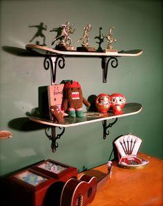Shapes usados podem servir de prateleira para o quarto dos garotos!