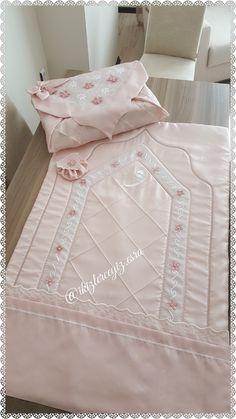 Abaya Pattern, Prayer Room, Diy Pillows, White Decor, Cross Stitch Designs, Bed Sheets, Comforters, Diy And Crafts, Prayers