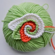 This is a stitch sampler for freeform crochet. You'll learn to make a spiral, add wings, and finish with decorative ridges.