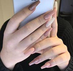 88 latest acrylic nail designs for summer 2019 page 5 Acrylic Nail Shapes, Cute Acrylic Nails, Acrylic Nail Designs, Art Nails, Oval Nails, Nude Nails, November Nails, Gorgeous Nails, Trendy Nails
