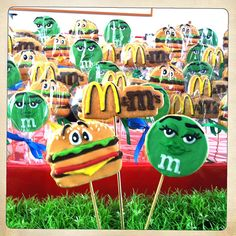 M'm's engagement party cookies. For an m'm's lover and a burger eater. By Karine Zablit