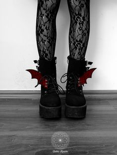 Aesthetic Grunge Outfit, Aesthetic Shoes, Gothic Shoes, Gothic Fashion Shoes, Pastel Goth Fashion, Emo Outfits, Grunge Outfits, Gothic Outfits, Red Shoes