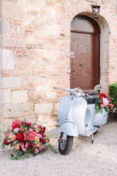 Bright Color Schemes, Wedding Ideas Board, Tuscan Wedding, Beautiful Table Settings, Pretty Roses, Italy Wedding, Wedding Story, Wedding Vendors, Weddings