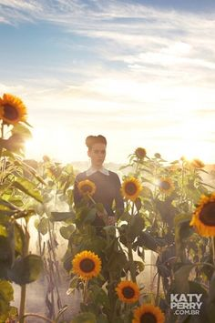 Katy Perry's PRISM promo shoot - sunflowers & OCF