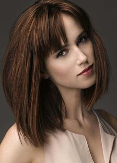 Medium Hairstyles with Bangs: Straight Bob Haircut This one is my favorite. I like her hair color too. Straight Bob Haircut, Bob Haircut With Bangs, Bob Hairstyles With Bangs, Short Hair With Bangs, Hairstyles Haircuts, Straight Hairstyles, Bob Haircuts, Straight Bangs, Short Hairstyle