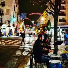Noël des gens de la musique. #Paris #Night #Christmas #Avent #Advent #ChristmasLights #Street