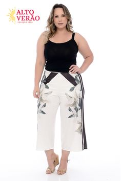 Calça Pantacourt Plus Size Trini Ideias Fashion, Capri Pants, Denim Shorts, Plus Fashion, Outfit Ideas, Outfits, Style, Tropical Prints, Plus Sized Outfits