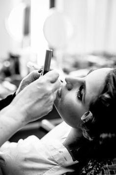 Maquillake para el matrimio religioso Foto: Esteban Nakano http://www.velodevainilla.com/2015/01/22/pia-daniel-dia-de-novia-con-amigas/