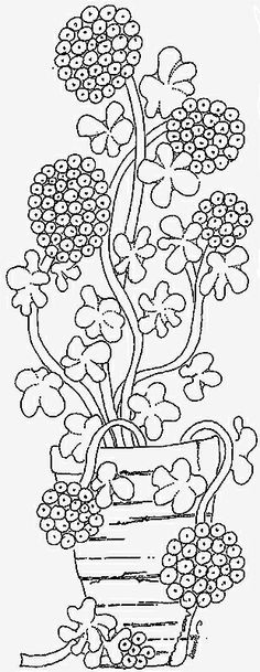 Grandma's Rose Geranium, rug hooking pattern by g.woolikers (punch needle, redwork, embroidery)