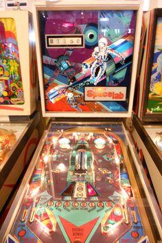 Pinball Games, Pinball Wizard, Arcade Games, Arcade Game Machines, Vending Machines, Arcade Machine, Penny Arcade, Retro Images, Vintage Games