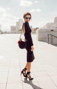 A Great Deal Of Whatever — Christine Andrew - Hello Fashion Estilo Casual Chic, Casual Chic Style, Estilo Fashion, Ideias Fashion, Open Back Black Dress, Black Women Fashion, Womens Fashion, Flirt, Glam Dresses