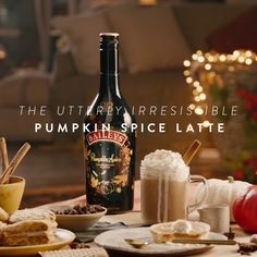 Make a latte fit for fall. Full of delicious notes of cinnamon, maple, and brown. Baileys Drinks, Baileys Recipes, Baileys Irish Cream, Irish Coffee Baileys, Happy Drink, Fall Drinks, Winter Cocktails, Pumpkin Spice Latte, Pumpkin Spice Baileys Recipe