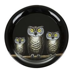 Update your tableware accessories with this Civette tray from Fornasetti. This charming design features a group of wide eyed owls perched on a branch set against a luxurious black background. Perfect