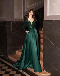 Fashion Desinger, Feminine, Formal Dresses, Style, Instagram, Women's, Formal Gowns, Stylus, Formal Evening Gowns
