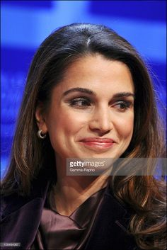 2006, Queen Rania of Jordan at the WEF in Davos Switzeland on January 26... Photo d'actualité | Getty Images