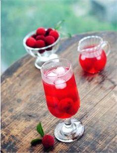 Nước thanh mai có vị chua nhẹ lại mát lành vì dùng đường phèn rất thích hợp dùng giải nhiệt trong những ngày hè oi ả. #Foodgia