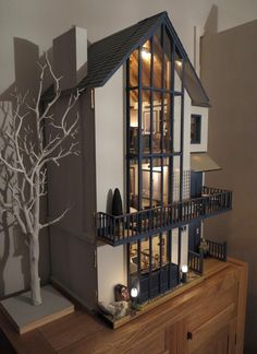 Lakeview House, Dolls House Emporium by Mike Adamson - Dolls' Houses Past & Present