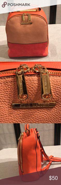 Price✂️Steve Madden multi color handbag/backpack Steve Madden multi color handbag/backpack.. like new.. excellent condition Steve Madden Bags Backpacks
