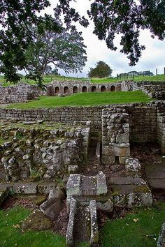 Cavalry fort on Hadrian's Wall Founded in 123 CE. View of the bath house. Ancient Ruins, Ancient Rome, Ancient History, European History, Ancient Artifacts, Ancient Greece, American History, Chester, Places Around The World