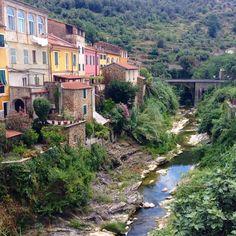 Dolcedo in Liguria verlässt man Imperia und fährt die Berge hoch kommt man nach holpriger Fahrt nach ca 20 Minuten nach Dolcedo. Hier ist die Zeit stehe geblieben und man sollte einfach mal genießen und ein wenig spazieren gehen. Ein Traum