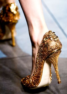 """xangeoudemonx: """" Shoes at Dolce & Gabbana Fall 2013. """""""