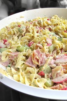 THIS ladies and gentlemen … THIS is a super tasty recipe. And very suitable for the time of the year: cold food namely … A pastasa … Healthy Crockpot Recipes, Healthy Breakfast Recipes, Healthy Foods To Eat, Diet Food To Lose Weight, Lunch Restaurants, Food Inspiration, Carne, Salad Recipes, Good Food