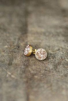 IN STOCK  Rose Gold Druzy Studs Druzy Earrings door AmuletteJewelry, $78.00