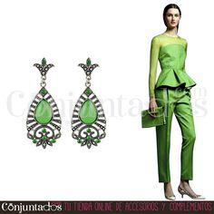 Pendientes Natasha en plateado y verde ★ 12'95 € en https://www.conjuntados.com/es/pendientes-natasha-en-plateado-y-verde.html ★ #novedades #pendientes #earrings #conjuntados #conjuntada #accesorios #complementos #moda #fashion #fashionadicct #picoftheday #perfectainvitada #perfectguest #wedding #party #outfit #estilo #style #GustosParaTodas #ParaTodosLosGustos