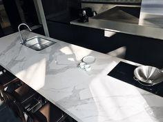 /Li Jen Chang Year: 2016 Kitchen Taipei /Taiwan Laminam 12+ Cava, Bianco Statuario Venato 1620x3240