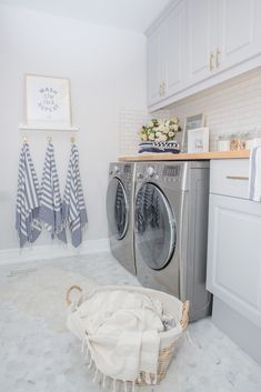 Trendy Home Design Vintage Laundry Rooms Laundry Room Tile, White Laundry Rooms, Laundry Room Layouts, Laundry Room Cabinets, Basement Laundry, Farmhouse Laundry Room, Laundry Room Organization, Room Tiles, Laundry Room Design